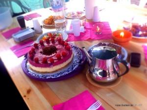 Cheesecake mit Waldfruchtsahne